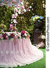 Beautiful bouquet of flowers at the wedding table in a restaurant decor