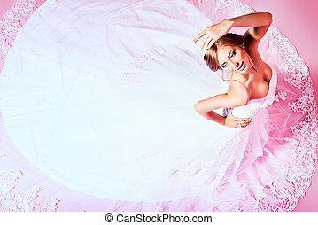 charming bride - Beautiful charming bride in a luxurious...