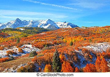 Beautiful Dallas divide landscape in Colorado during autumn time