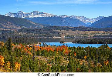 Beautiful Dillon reservoir landscape in Colorado in Autumn time