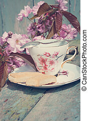 Beautiful, English, vintage teacup with Scottish shortbread...