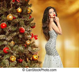 Beautiful fashion woman in fashion dress