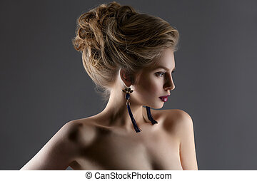 Beautiful girl with long neck - Beautiful young woman with...