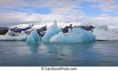 Beautiful glacial lake Jokulsarlon in Iceland - Stunning...