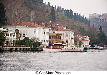 Bosphorus - beautiful house on the banks of the Bosphorus in...