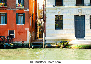 houses in Venice