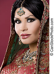 indian woman - beautiful indian woman wearing bridal outfit ...