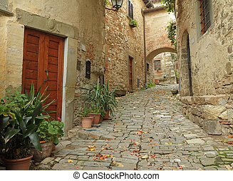 Beautiful italian small street in tuscan village ...