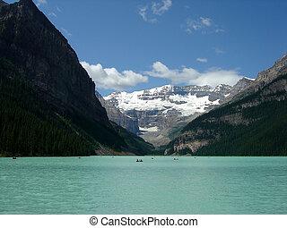 Lake Louise - Beautiful Lake Louise, Banff Alberta, Canada....