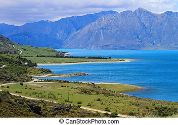 Beautiful lake Wanaka in Otago Region, South Island, New ...
