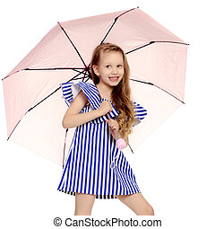 Beautiful little girl 5-6 years. - A happy little blonde...