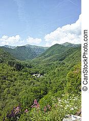lunigiana valley - beautiful lunigiana valley in tuscany, ...