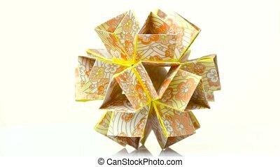 Beautiful modular origami flower. Wonderful geometrical art....