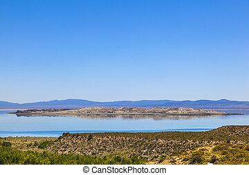 beautiful Mono Lake in California near Lee Vining