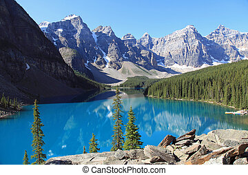 Moraine Lake in Banff - Beautiful Moraine Lake in Banff...