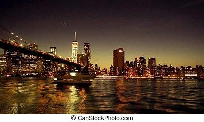 Beautiful New York City evening timelapse - Manhattan bridge
