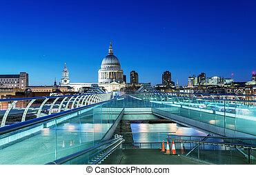 Beautiful night skyline of London