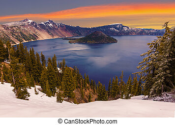 Beautiful Panorama of Crater Lake - Crater Lake image takne...
