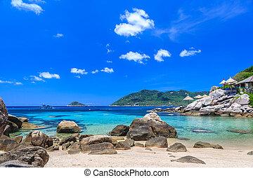 Beautiful sea on tropicla island with crystal clear water -...