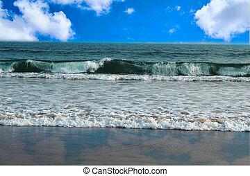 beautiful sea scape blue sky with cloud