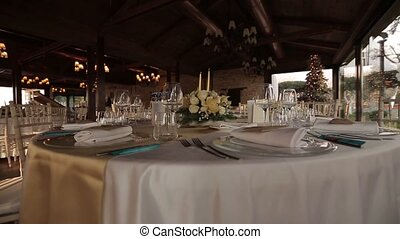 beautiful serving exquisite wedding table