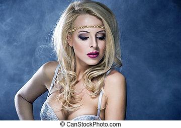Beautiful Sexy Blond Girl. Long Hair. Holiday Makeup. Make-up.