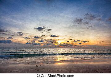 Beautiful sunrise in the Ocean