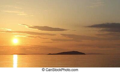 Beautiful sunset beach and sea landscape - Beautiful sunset...