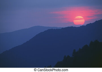 Smoky Mountains - Beautiful sunset from Morton Overlook in...