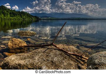 Beautiful sunshine montains and lake scenery