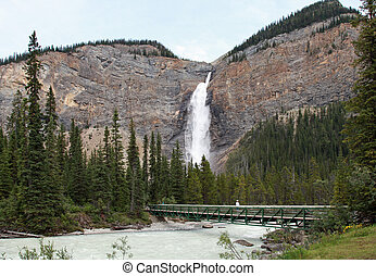 Beautiful Takakkaw Falls