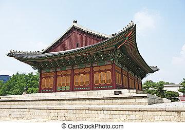 beautiful traditional building in ducksu palace in seoul korea