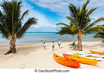 Beautiful tropical beach at exotic island in Pacific - ...