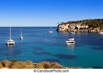 beautiful turquoise bays in stunning Mallorca