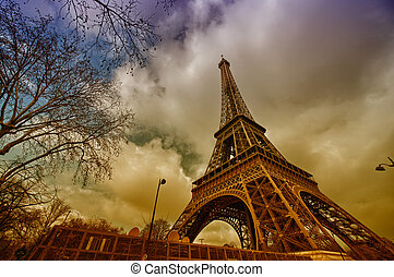 Beautiful view of Eiffel Tower with vegetation