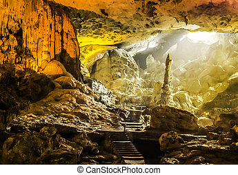 Beautiful view of Sung Sot Cave or Surprise Grotto of Ha...