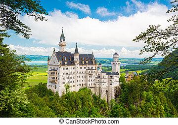 Beautiful view of world-famous Neuschwanstein Castle, Fussen, Bavaria, Germany