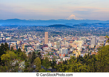 Beautiful Vista of Portland, Oregon - View of Portland,...
