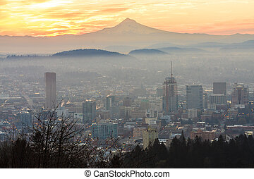 Beautiful Vista of Portland, Oregon - Sunrise View of...