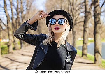 Beautiful Woman Face, Outdoors Fashion Portrait