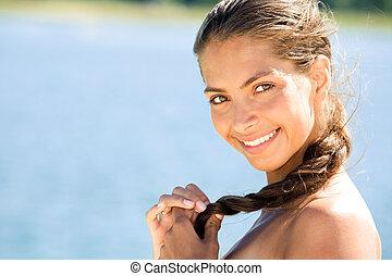 Beautiful woman - Portrait of beautiful smiling woman ...