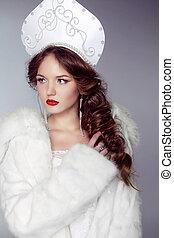 Beautiful woman with kokoshnik. Jewelry and Beauty. Fashion art Russian photo