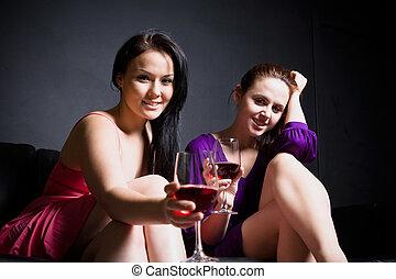 Beautiful women party tim