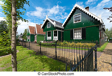 wooden houses - beautiful wooden houses in the Zaanse Schans...