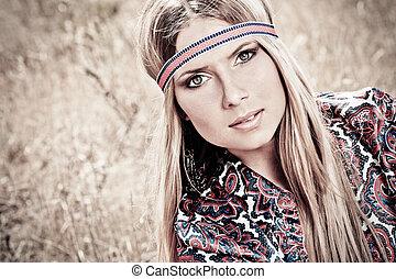 hippie - Beautiful young woman hippie posing outdoor.