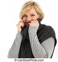 Beautiful young woman in winter fashion