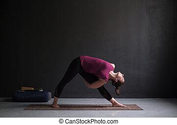 utthita trikonasana triangle pose position woman posture