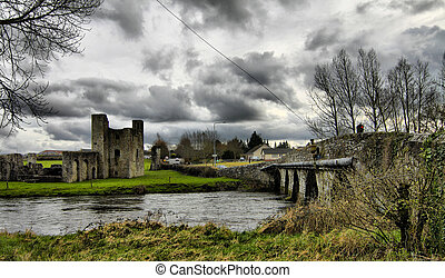 Beautifull Ireland - Trim Castle and surroundings - Trim...