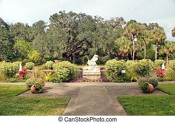 Beautifully landscaped garden - Beautilly landscaped garden ...