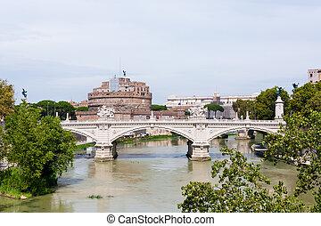 Angelo bridge and castle